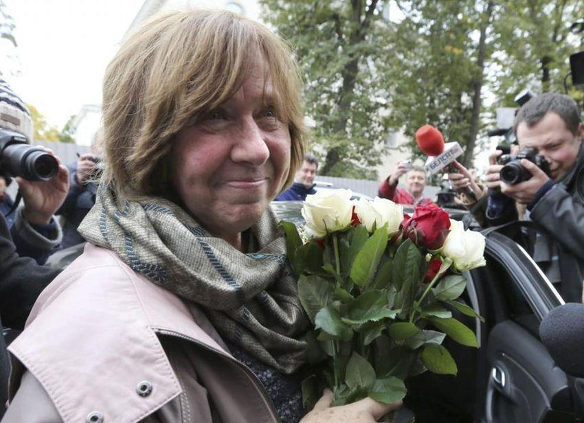Alexievich: decimocuarta mujer en obtener el galardón.