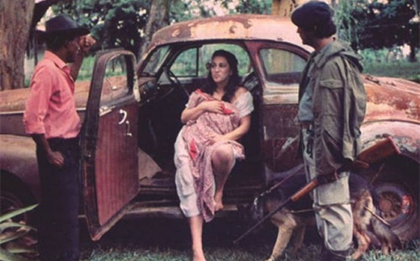 """Fotograma de """"La mansión de Araucaíma"""", de Carlos Mayolo (1986)"""