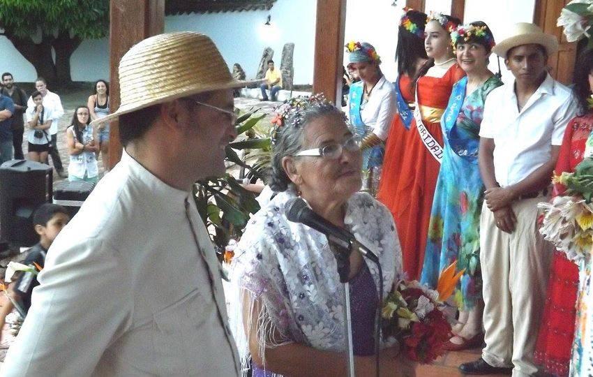 """""""La boda de Aleafar de las Flores y el Cucarachero de La Grita"""", performance de Rafaela Baroni"""