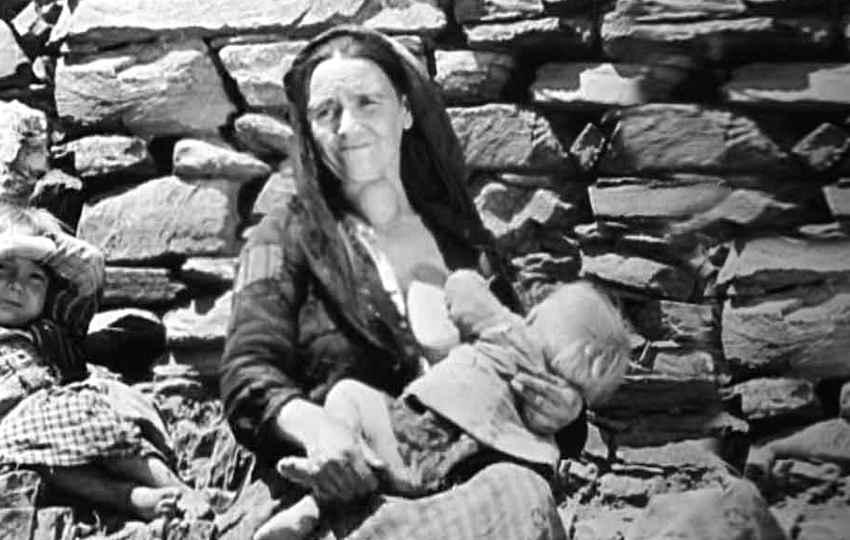 """Fotograma de """"Las Hurdes, tierra sin pan"""" (1932), película de Luis Buñuel"""