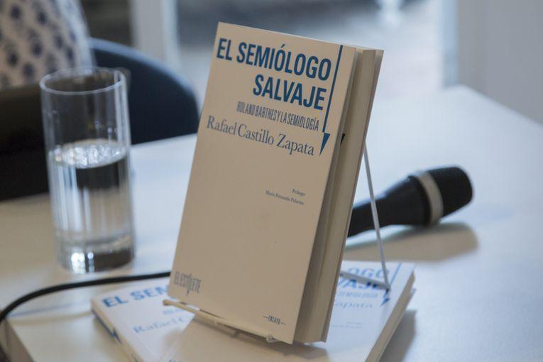 """""""El semiólogo salvaje"""", de Rafael Castillo Zapata"""