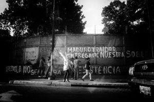 Despropósitos de una ciudad errante, por Nelson González Leal