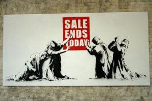 """""""Barely Legal"""" (2006), de Banksy"""