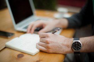 Esta es la rutina ideal para escribir cada día, por Arianne Cuárez
