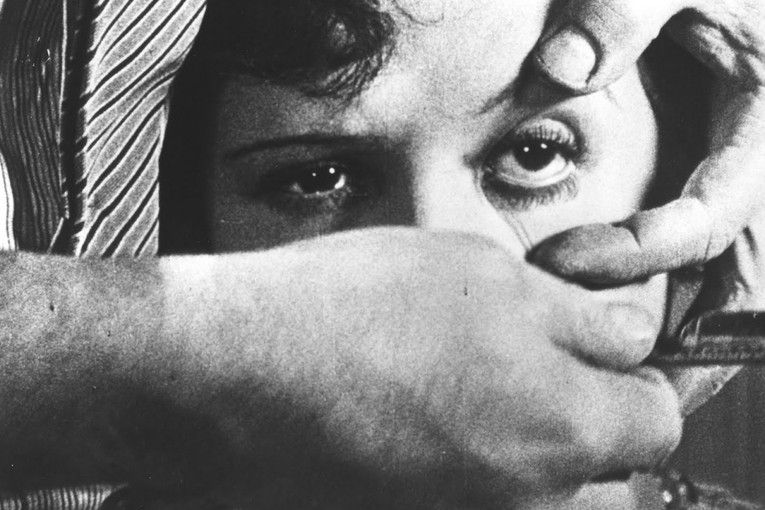 """""""Un perro andaluz"""" (1929), de Luis Buñuel"""