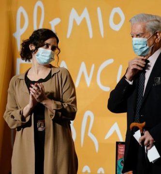 Isabel Díaz Ayuso y Mario Vargas Llosa