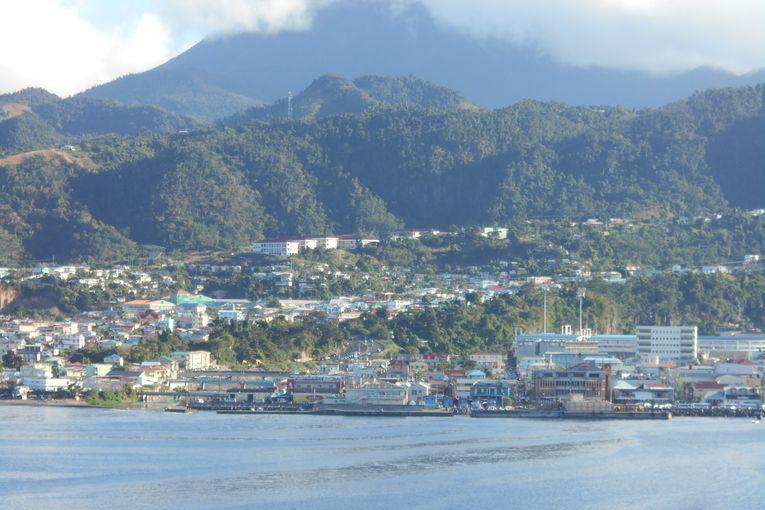Dominica, por Juan Franco Crespo