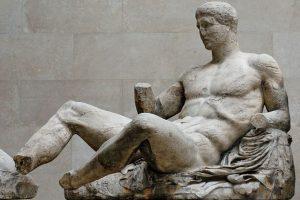 El mito de las estatuas griegas blancas, por Luis Eduardo Cortés Riera