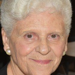 Yvette Schryer